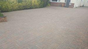 image of clean block paving driveway